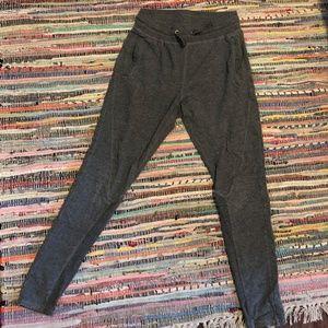 Alo Yoga Dark Grey Leggings
